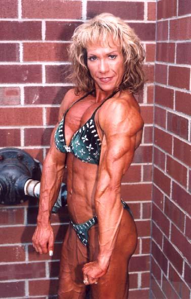 Muscular female bodybuilder lisa cross topless video - 1 1